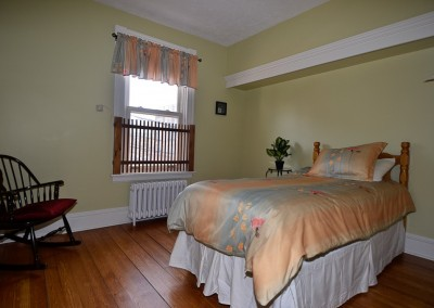 Anderson House: Bedroom 2